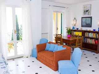 Seaview terrace apartment 6 pax in the Old town, Gaeta