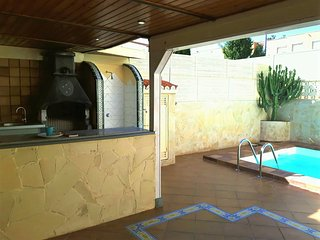 LOVELY VILLA MASPALOMAS WITH PRIVATE SWIMMING POOL, Maspalomas