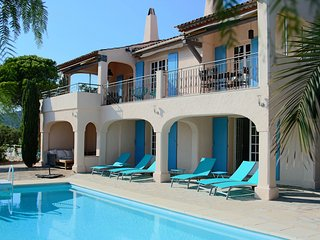 Luxury Villa Savoir Vivre beautiful SEAVIEW, pool near St. Maxime and St Tropez, Les Issambres