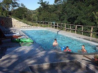 Villa Cheti, alloggio con piscina privata e WI-FI gratuito, Spigno Monferrato