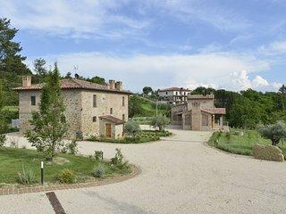 Borgo Giorgione Villa 18 Sleeps, Monteleone d'Orvieto