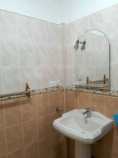 201 Shower Room