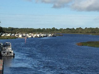 LoughRee Lodge Self Catering Apartment Lanesborough Co.Longford