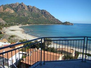 Villa panoramica a 60 metri dal mare , apt. 1