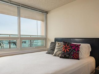 Elegant apartment, steps away from Space Needle! With 99 walk score, Seattle