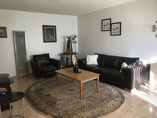 Furnished 1-Bedroom Apartment at W Glenoaks Blvd & Elm Ave Glendale, San Fernando