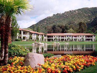 Resort Villas by Welk Resort - Fri, Sat, Sun check ins only!, Escondido