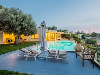 Blue Coast Villa | Private Villa in Lagonissi