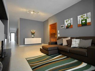 MedDeluxe apartments. Fully furnished apartments for vacation rentals.