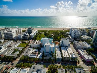 Gorgeous 2 Bedroom in the Heart of South Beach- Oceanfront Retreat