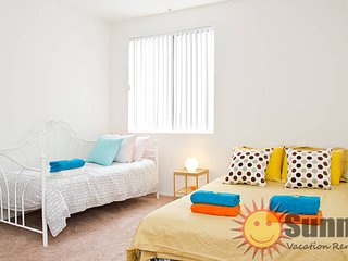 #09 Sunny 2BR Flat by Downtown, Los Angeles