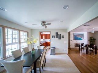 Gorgeous remodeled single level 8 min Disney home