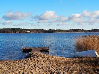 DIANA, stuga med egen bastu, sandstrand och roddbåt