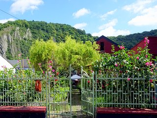 Sax In the Garden Bed and Breakfast (Breakfast and bicycles included), Dinant
