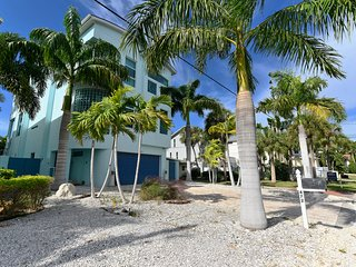 Luxury Villa Siesta Key-10 Pers.  2 Minutes from the Beach, Pool and Spa Heating
