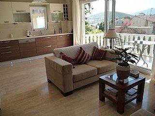 Avlu Yasemin , luxury 2 bed apartment, ensuite, family bathroom and shared pool, Kalkan
