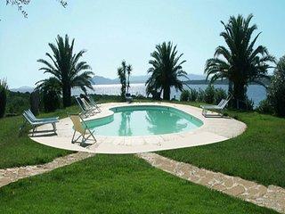 Casa 4+1 p.l. con piscina condivisa Golfo Aranci
