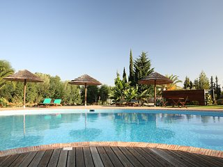 Algarve at its finest: 2 bedroom condo (free wifi)