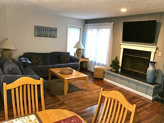 Mountain Air Townhouse, FAMILY FRIENDLY; Quiet or Adventure; Hiking& Jacuzzi