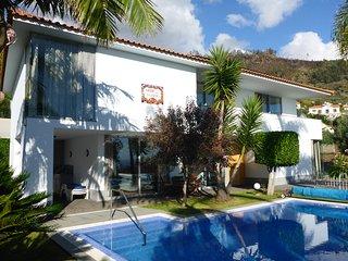 """Just Paradise """" Abrigo da Madeira"""" Villa with Pool & Sauna, Arco da Calheta"""