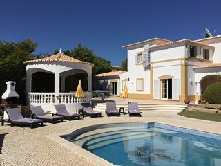 Vivenda Carvoeiro deLuxe, 6 bedroom villa with private pool!