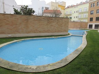 RW PR - São Martinho do Porto - Amazing 2 bedroom apartment with shared pool.