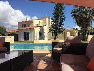 Large 6-bedroom villa with private pool close to the beach