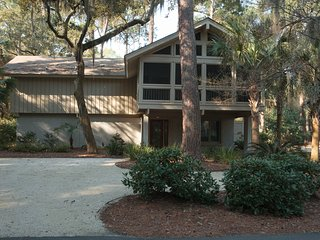 Beautiful Sea Pines 4th Row House