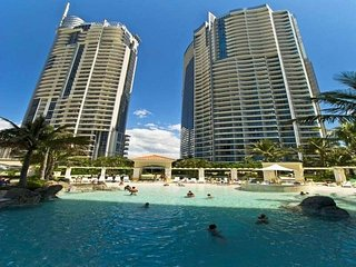 Family Entertainment Oasis in d Heart of Paradise, Surfers Paradise
