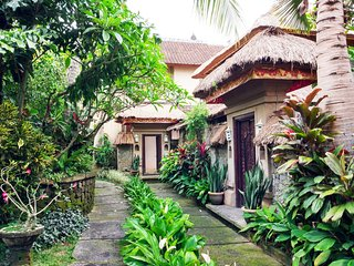 Anom Cottages~2BR with Pool~3mnt Ubud Center