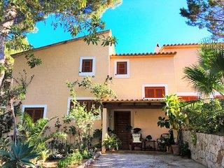 Casa con piscina y vistas al mar en Santa Ponsa