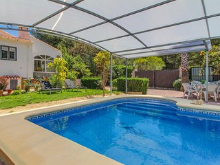 Villa ideal para familias c/ piscina! Ref. 160099