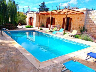 Charming Cypriot Traditional Bungalow - Droushia - Polis - Private Pool - Wifi