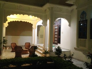 The Luxury Super Deluxe Room II (ROYAL HERITAGE VILLA)