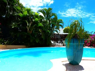 Appartement calme avec piscine à 100m de la plage, Le Diamant