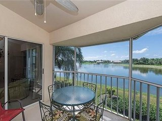 BONITA SPRINGS / NAPLES AREA - 2 BED/2 BATH LAKEVIEW CONDO