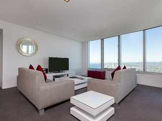 Q1 Resort and Spa 4 Bedroom Executive Spa - 2 nights Special, Surfers Paradise