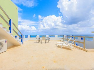 Castellito Del Caribe! Stunning 3 bedroom house overlooking the Caribbean!, Isla Mujeres