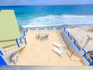 Castellito Del Caribe! Stunning 3 bedroom house overlooking the Caribbean!