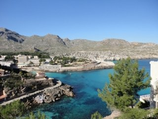 Pretty Apartment just 150m from the popular San Vicente beach, vacation rental in Cala San Vincente