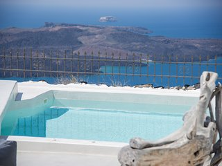 Stilvi Suite Firostefani Santorini Greece
