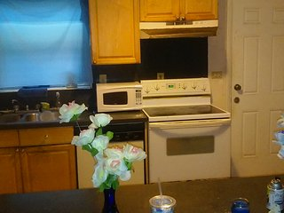 Basic Room With Queen Size Bed, In Central Location, North Miami Beach