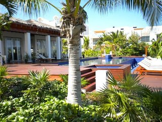 Amazing Penthouse, ocean and marina views, Playa Mujeres