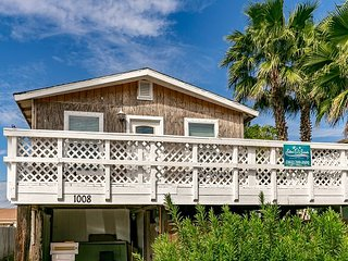 All Things Green, 2/1, Pet Friendly, In Town, Boat Parking, Port Aransas