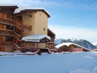 BELLE PLAGNE 65M2- ski aux pieds - 4 pieces -3chb