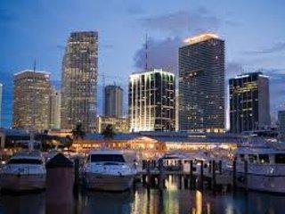 ESPECTACULAR DEPARTAMENTO PISO 46 BISCAYNE BOULEVARD 50 A ESTRENAR, Miami