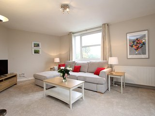 Newly Refurbished Luxury Apartment, Weybridge