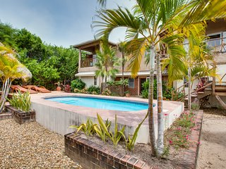 Ground floor custom designed apartment with pool, Placencia