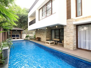 Nirvana - 4 Bed Private Pool Villa near Club Cabana in Anjuna