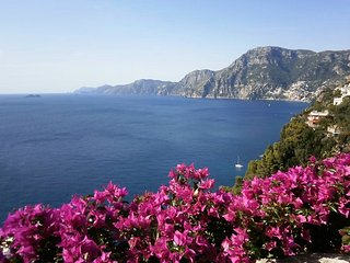 Casa Maremonti, stunning view overlooking the sea towards Positano and Capri